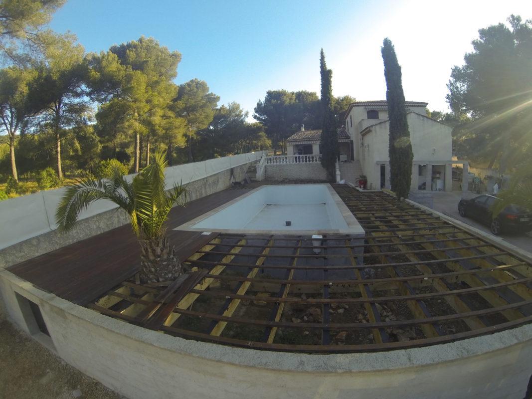 3. Création d'une plage de piscine en bois exotique