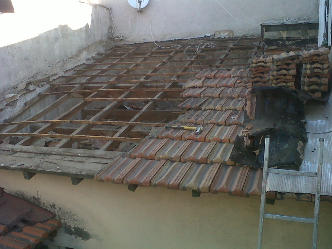 Marseille 5e – Dépose d'une toiture traditionnelle 1 pan.