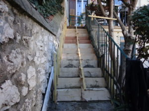 création d'un nouvel escalier extérieur dans une maison de ville a marseille