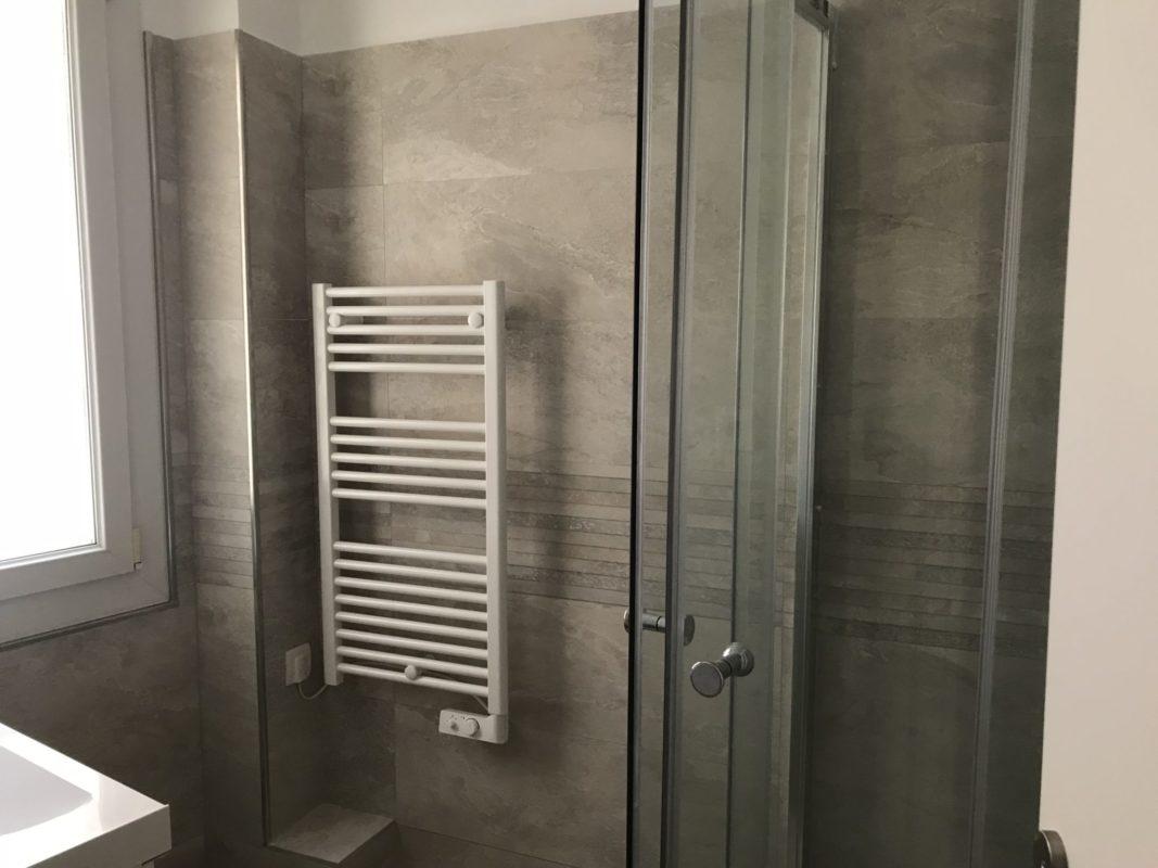 salle de bain refaite dans un appartement 13007