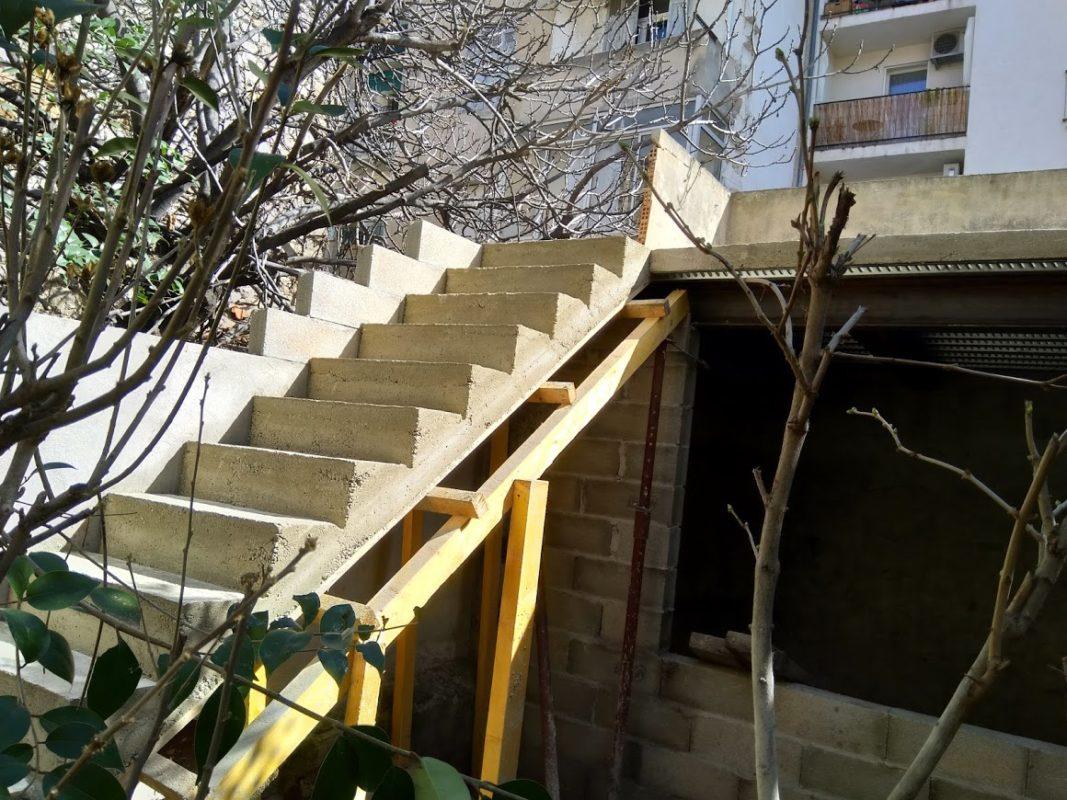 creation d'un escalier exterieur pour une maison de ville a marseille