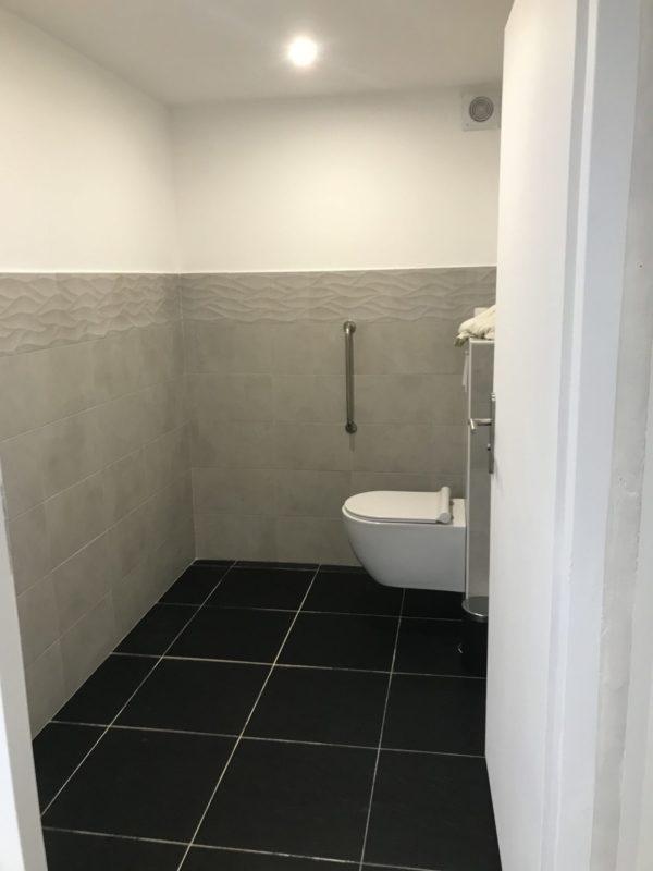 toilettes du cabinet de kinés