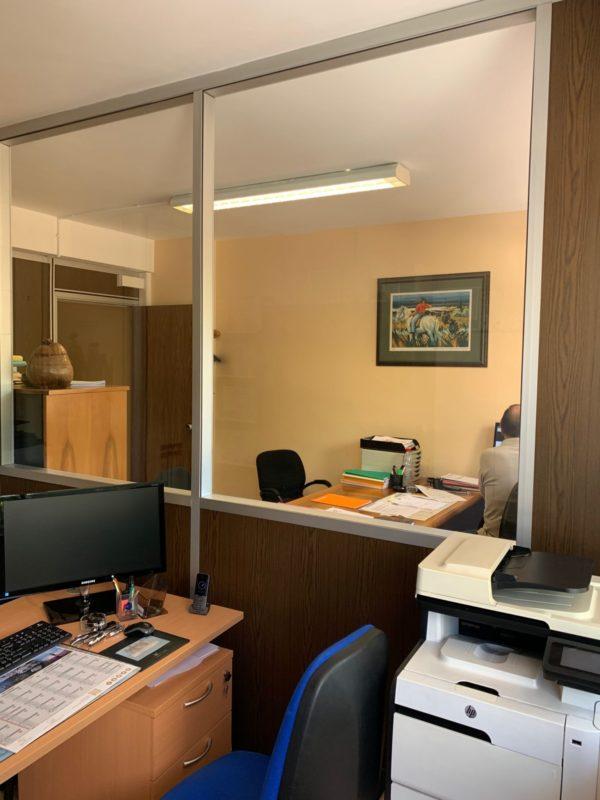 aménagement des bureaux avant les travaux de rénovation