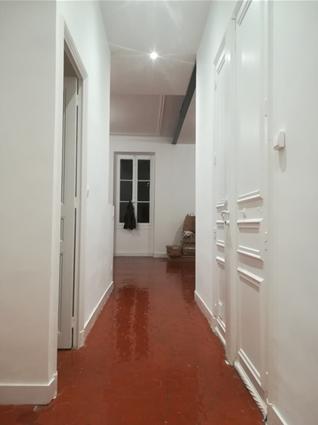 couloir après rénovation de l'appartement 13001