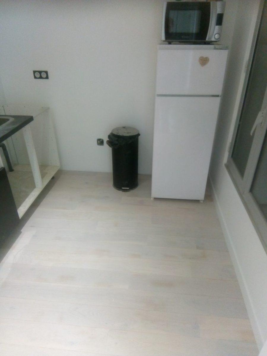 coin cuisine de l'appartement rénové