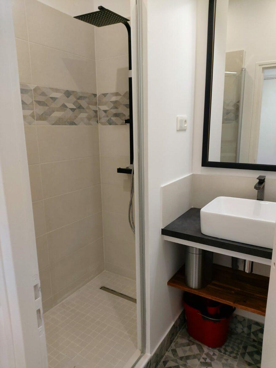 salle de douche renovee appartement 13002 marseille